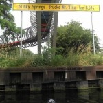 Slinky Springs to Fame Brücke