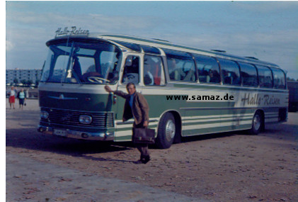 halloreisen_bus_am_strand